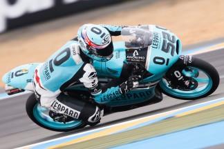 Kent marca el ritmo en el Warm Up de Moto3™