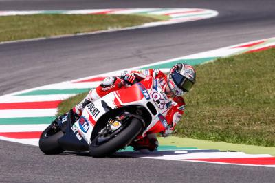 Dovizioso im FP4 an der Spitze, Marquez stürzt