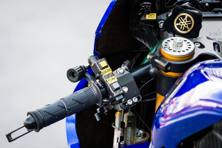 Yamaha clip-on, detail  © 2015 Scott Jones, PHOTO.GP