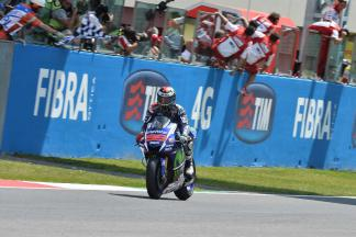Lorenzo delivers master class to make it three in a row