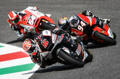 Moto2™ title fight continues in Catalunya