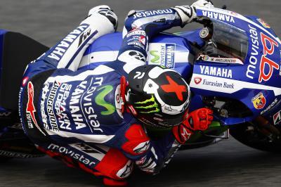 El equipo Movistar Yamaha comienza su desafío en Montmeló.