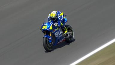 Aleix Espargaró sorprende con la Suzuki en FP2