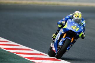 Espargaró calienta el ambiente en el Circuit de Catalunya