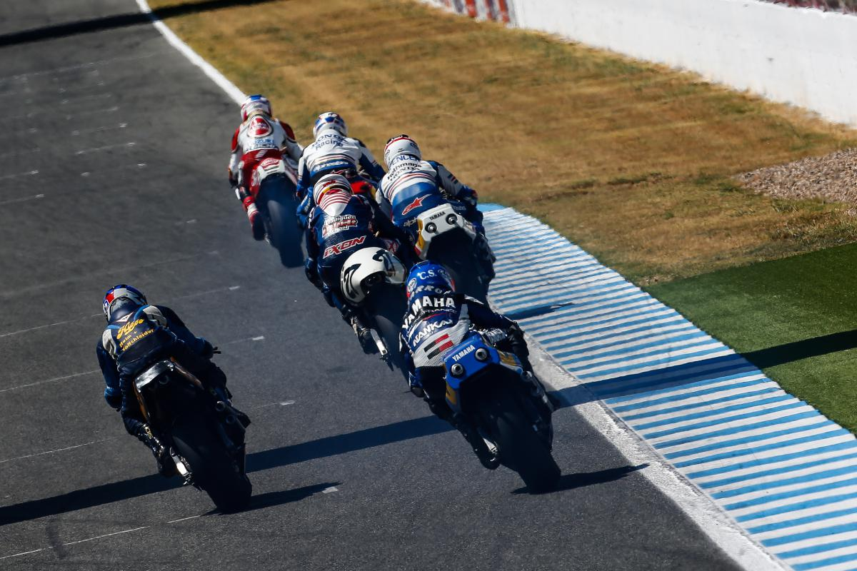 Amazing racing at World GP Bike Legends   MotoGP™