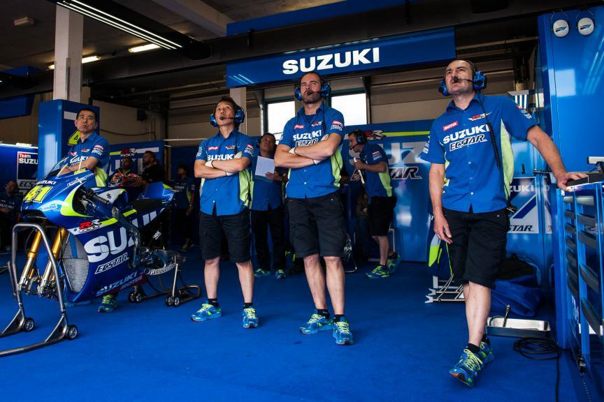 Team Suzuki Ecstar, Assen © 2015 Scott Jones, PHOTO.GP