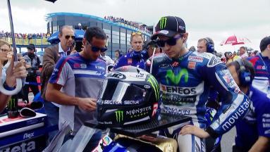 Lorenzo fights his way to the podium