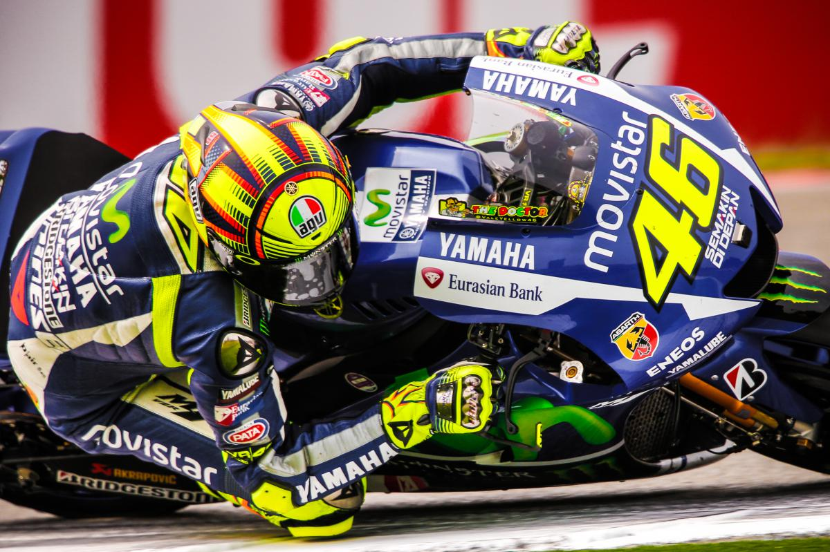 rossi remporte son duel face m rquez assen motogp. Black Bedroom Furniture Sets. Home Design Ideas