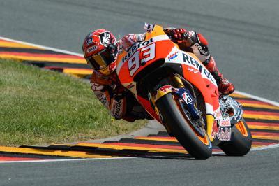 Marquez signe le meilleur chrono du warm-up MotoGP™