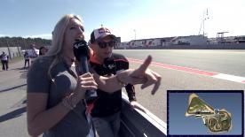 """Stefan Bradl erlebt bei seinem HeimGP eine ungewollte, aber andere Erfahrung - er sieht am Streckenrand zu. Wir sind außerdem der Frage auf den Grund gegangen: """"Welcher Fahrer entscheidet sich für welchen Gummi?"""" und wir haben die kompletten Highlights der Rennen analysiert!"""