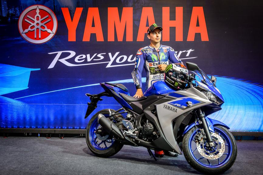 Jorge Lorenzo ambassador of the new Yamaha YZF-R3 in Brasil