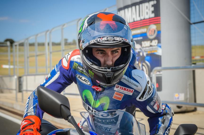 Jorge Lorenzo ambassador of the new Yamaha YZF-R3 in Brasil