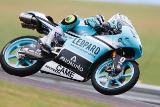 Vázquez lidera la FP1 de Moto3™ en Brno