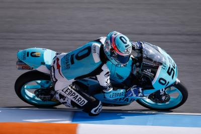 Kent shows class to top Moto3™ FP3