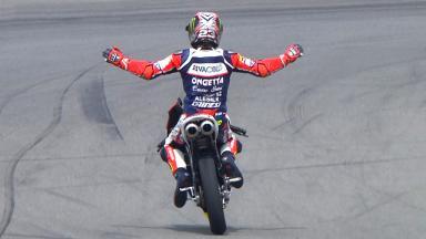 Antonelli consigue su primera victoria en Moto3™