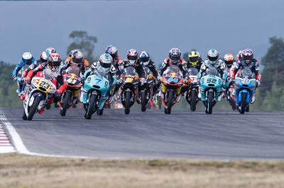 Le Moto3™ part à l'assaut de Silverstone
