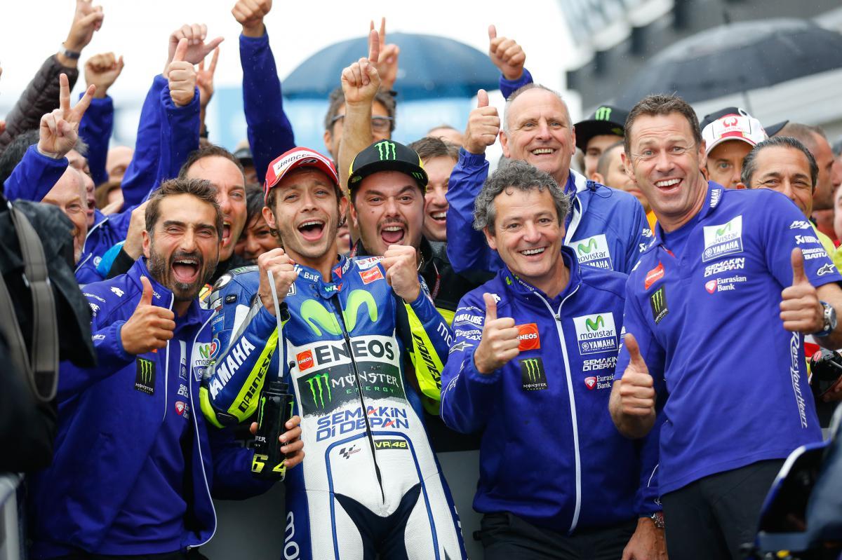 Rossi vainqueur, Lorenzo en doit une à Marquez...