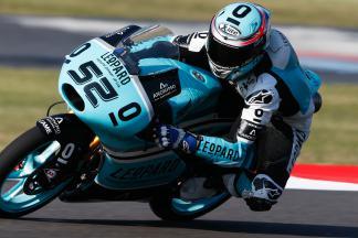 Kent, el más rápido del viernes en Moto3™