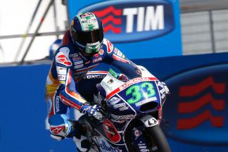Battling Bastianini takes maiden Moto3™ Victory