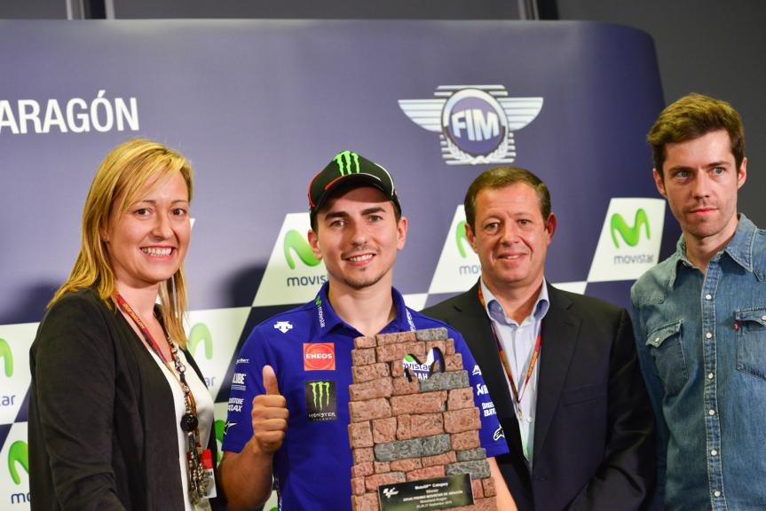 Movistar Reveals New Aragon Grand Prix Trophy Designed by Lorenzo