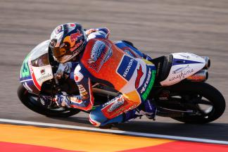 Bastianini dominates Friday in Moto3™