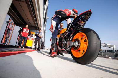 MotoGP™ riders complete final Michelin tyre test before 2016