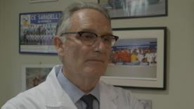El Dr. Mir habla para motogp.com poco después de intervenir a Marc Márquez en su mano izquierda.