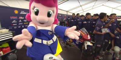 SAATC riders have fun with Twin Ring Motegi mascots
