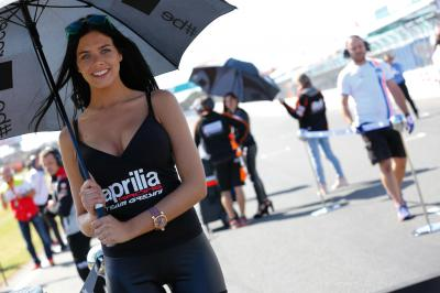 As Paddock Girls do #AustralianGP