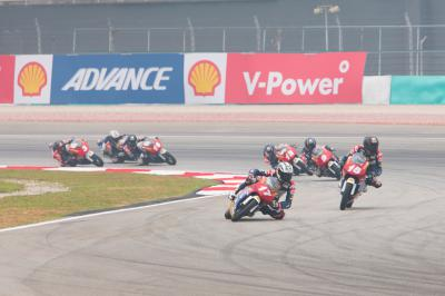 Kunimine takes his first pole of the year in Sepang