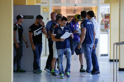 Permanent Bureau spricht zu den MotoGP™ Piloten