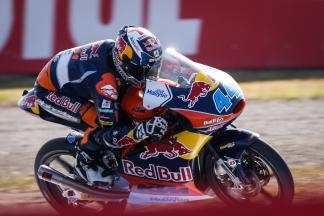"Oliveira: ""We are just a tenth off first place"""
