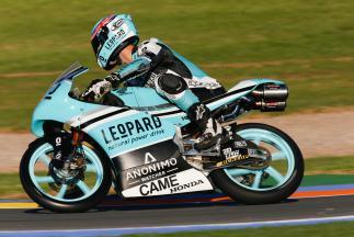 Kent lidera pelotão na FP1 da Moto3™