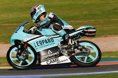 Kent leads the way in Moto3™ FP1