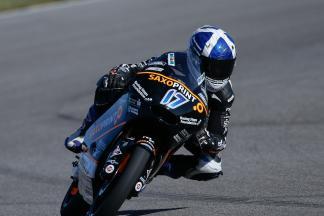 McPhee signe la pole pour la dernière manche du Moto3™
