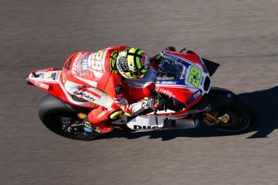 Iannone sets pace in FP3 ahead of Rossi