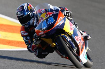 Oliveira wins race but Kent takes Moto3™ title