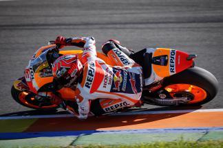 Márquez signe le meilleur chrono du warm-up MotoGP™