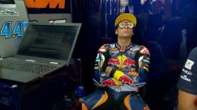 An alternative look at the happenings behind the scenes at the #ValenciaGP, including all the best oddities & outtakes.