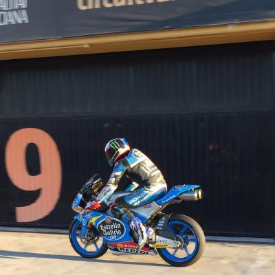 Navarro on top after first day of Moto3™ test in Valencia