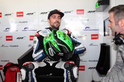 Laverty se fractura el antebrazo izquierdo en Jerez