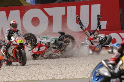 Les plus grosses chutes de 2015 : MotoGP™