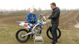 Why mucking about in the dirt makes you faster in MotoGP – Motocross training with Maverick Viñales.