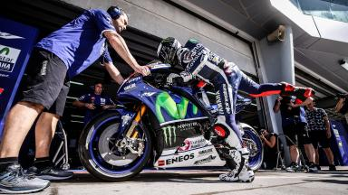 Lorenzo dominates first day of 2016