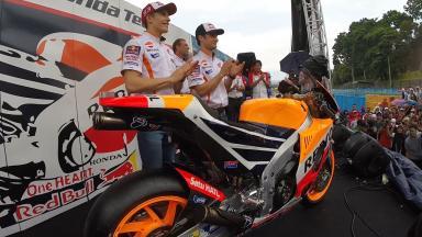 Márquez y Pedrosa desvelan la nueva RC213V