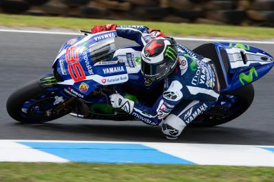 "Lorenzo: ""I've been riding with old tyres all day"""