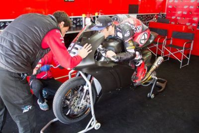 #2016WinterTest: Finally season preparations get underway @circuitodejerez with @agrteam_com. Ready to tackle to it https://t.co/dDItanwaN9