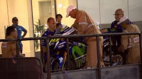 Valentino Rossi cade per la prima volta in apertura del #QatarTest, nulla di grave per il Dottore.