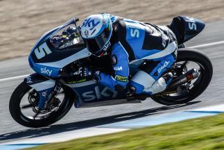 Fenati takes command on second day of Moto3™ testing