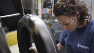 ミシュランのタイヤ製造過程